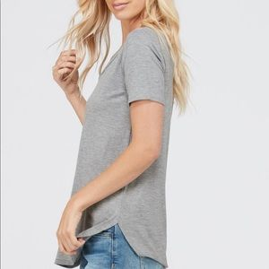 Your Favorite Curved Hem Tee in Heather Grey